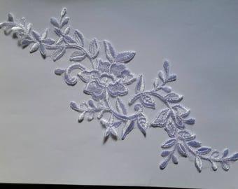 1 organza 31 cm X 11 cm white guipure applique
