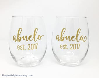 Abuela and Abuelo Wine Glass Set, Abuela Gift, Abuela Glass, Personalized Wine Glasses, Baby Announcement Grandparents, Set of 2