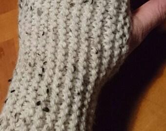 Speckled beige mittens