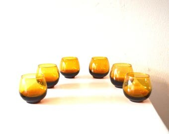 Small Vintage Amber Glasses/ Vintage Tiny Amber Shot Glass Set / Mid Century Vintage Amber Glass Set of 6 Schnapps / Antique Shot Glasses