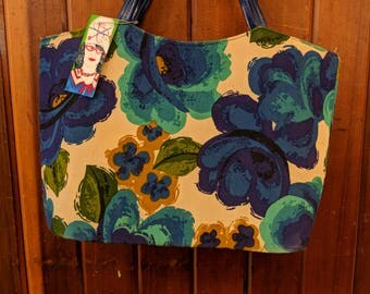 1980s // FLOWER BUCKET BAG // Vintage Abstract Floral Print Bag