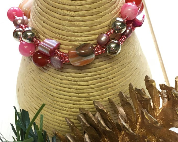 Pink Agate, jade, semi precious gems and freshwater cultured pearl bracelet