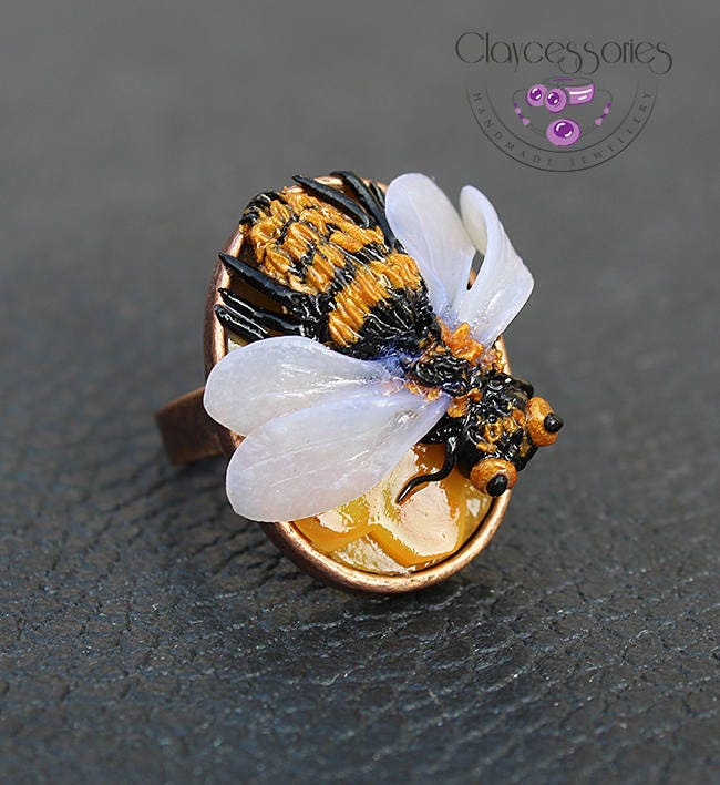 Bee ring / Insect ring / Honeybee ring / Bee jewellery / Statement ring / Bumble bee ring / Adjustable ring / Polymer clay jewellery