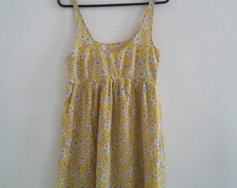 vintage ditsy flower dress