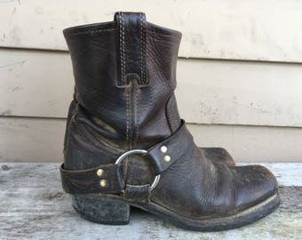 Frye 6.5-7 harness boots dark brown leather biker motorcycle distressed 6.5 6 1/2 7 36 37 square toe oil resistant neoprene sole cowboy 6.5