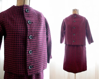 Vintage 1960s suit set secretary pencil skirt Boxy over coat jacket black red maroon hounds tooth tweed Jackie O 60s