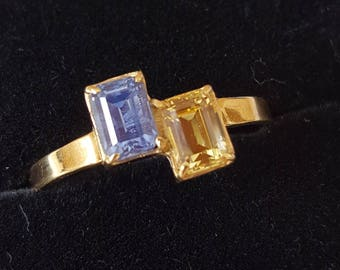 Vintage Sapphire - Rectangular Shape Yellow and Blue Sapphire  18ct Asymetrical Ring