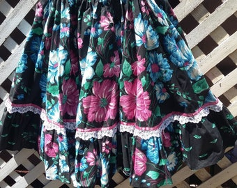 Vintage 1980s Floral Full Ruffled Skirt