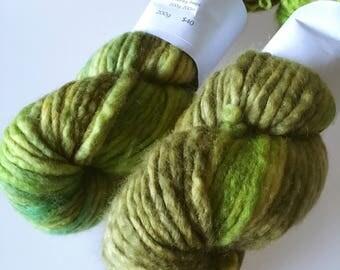 "Hand-dyed Chunky Yarn BFL ""Lichen"" 200g"