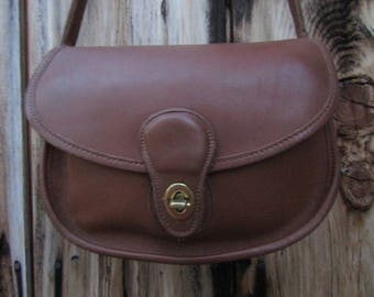 "Coach ~ Prairie Bag ~ Tan ~ Glove ~ Leather ~ Mint ~ Awesome ~ Vintage ~ Recycled ~ Medium Size ~  10"" X 7"" X 3.5"""