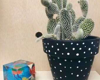 Dot Planter in Black
