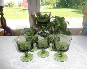 """Anchor Hocking Glass Vintage Mid Century 8 Modern Avocado Green Sherbet Dishes 4.5"""" Tall - Free Shipping"""