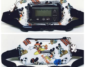 Insulin pump pouch with window/mickey mouse