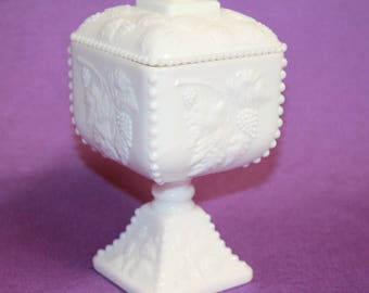 Vintage Westmoreland Milk Glass White Candy square Bowl/Dish with lid Homedecor