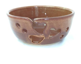 Yarn bowl | Gift for Mom | Yarn and string organizer | Large handmade stoneware bowl for keeping knots out of yarn