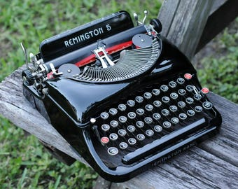 Remington Portable Typewriter - Model  5  Streamline