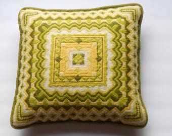 Cheerful Vintage Needlepoint Decorative Pillow!