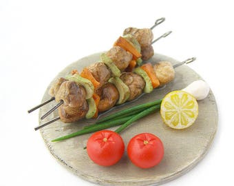 Dollhouse Miniatures Shish kebab with vegetables 3 skewers on tray polymer clay food for toy Barbecue meat shashlik tomato lemon green onion
