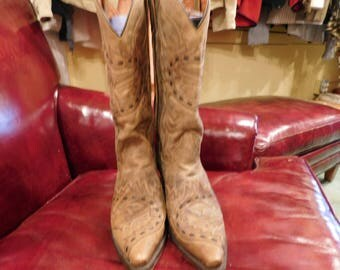 Dan  post size 8 western cowboy boots/ Western wear/ cowboy boots/ leather/ vintage /