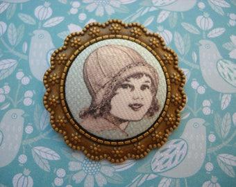 Fabric brooch retro girl