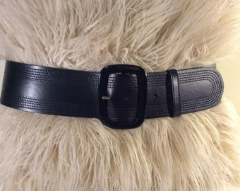 Vintage Escada black leather belt