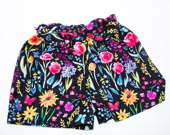 Shorts bermudas - elastic wait - bow detail - flowers - toddler and kids sizes
