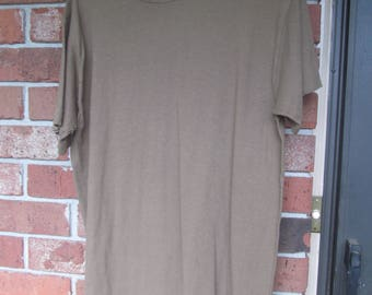 Military T - Shirt   -  Brown   1985   size  M