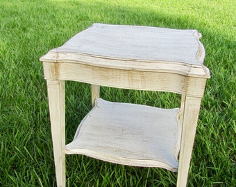 Antique White shabby chic distressed end table/side table/coffee table