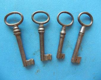 4 Antique Skeleton Barrel Keys. Nice!