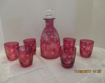 Cranberry etched Decanter with 6 glasses EXCELLENT