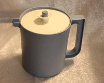 Vintage Tupperware Pitcher w/ Push Button Seal Lid/Air Lock Lid 1575-7 Juice Pitcher / Kool Aid Pitcher Blue