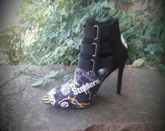 Black heel ankle boot
