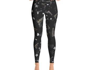 A Trendy Gun Pattern Black Yoga Leggings Capri Yoga Pants, Sport Stretch Leggings, Fitness Workout Yoga Pants Joggers, Yoga Shorts
