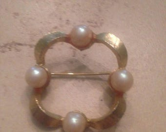 SALE Vintage Pearl Gold Brooch Costume Jewelry