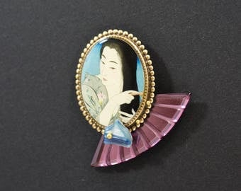 Shōnagon - Resin brooch
