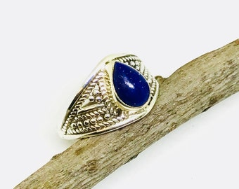 Lapis lazuli ring set in Sterling silver 925. Size -7. Natural authentic lapis lazuli stone.