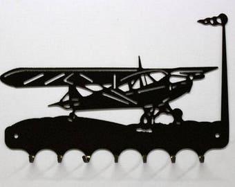 Hangs 26 cm pattern metal keys: piper aircraft or cessna