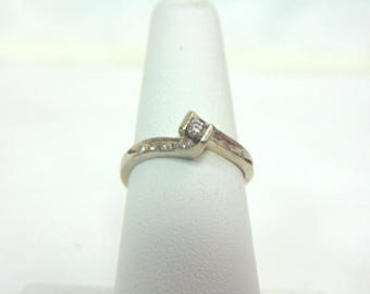 Womens Vintage Estate 10K White Gold Diamond Ring 1.8g E3258