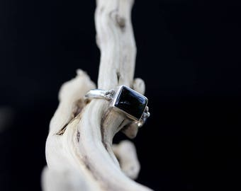 Vintage Sterling Silver Black onyx Ring