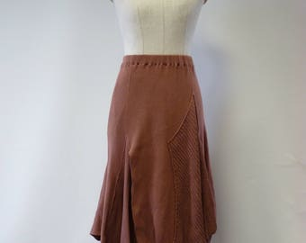 The hot price. Knitted powder pink boho skirt, M size. Made of soft cotton.