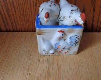 Vintage Japan Chicken-Hens Salt and Pepper Shakers Porcelain Occupied Japan Vintage Salt and Pepper
