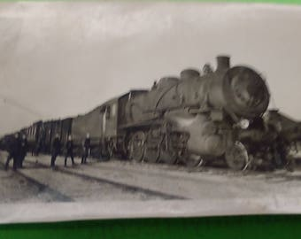 World War One (WWI) Six photos of Soldiers and French Railroad Cars  ---