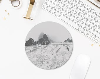 Winter Photography, Round Mousepad, Iceland Photography, Computer Decor, Mountain Mouse Pad, White Mouse Pad, Mousepad Photo Print. SV067