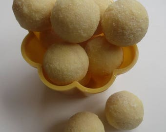 Bucks Fizz White Chocolate Truffles - Assorted Pack Sizes 2-12 Pieces