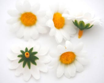 5 fabric daisy flowers and plastic 34mm