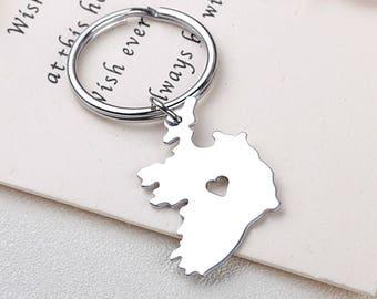 I heart Ireland keychain - Ireland keyring - Map Jewelry - Country Charm - Map keychain
