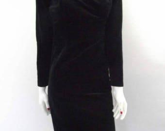 summer sale Vintage dress 80s Black velvet evening dress off shoulder neckline size small medium