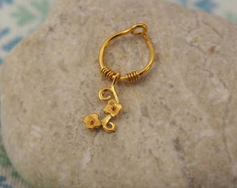 Cartilage Earring FLOWER /Helix/Conch/ Cat gold hoop, gold cartilage Hoop Earrings, 14K Gold Filled,tiny hoops,Gold filled Conch,gold conch