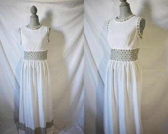 Vintage 70s White Floral Day Dress Everyday Summer Sundress Maxi House Dress Sleeveless Housewife Dress Hippie Festival Boho Dress