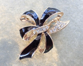 Vintage Signed Ribbon Bow brooch black enamel mourning AB555